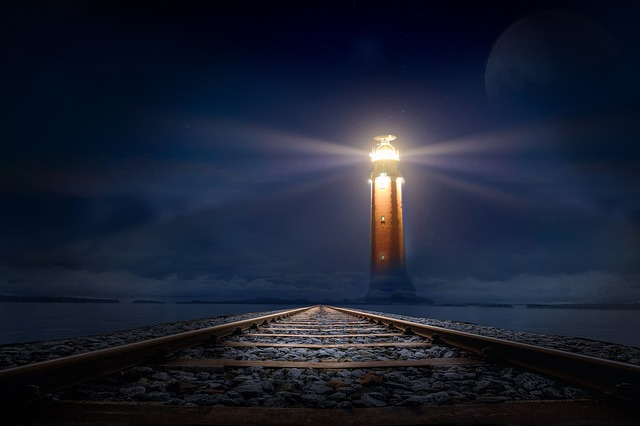 lighthouse-2306978_640.jpg
