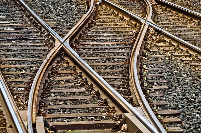 rails-3309912_640.jpg